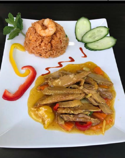 Canard Kong-Phet piquant avec Riz comme Accompagnement / Spicy Kong Phet Duck with Rice as Side dish