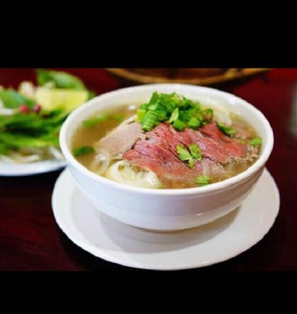 Soupe Phó de Saigon au buf / Phó soup from Saigon with beef